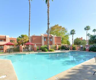 Pool, Mission Sierra
