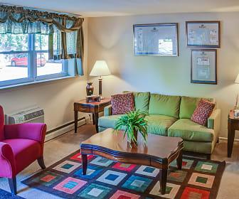 Edgewood Apartments, Penllyn, PA