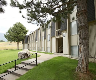Building, Lake Park Apartments