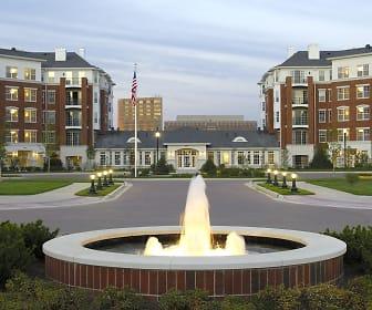 Regency Place Apartments, Willowbrook High School, Villa Park, IL
