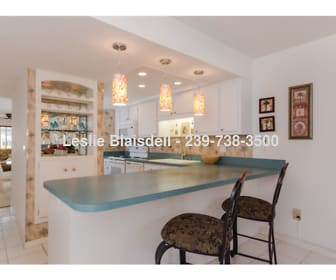 Kitchen/Bar, 1628 SE 46th St 1
