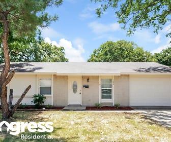 1050 Brownwood Dr, Waters Ridge, Lewisville, TX