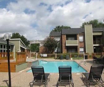 Pool, Westfield