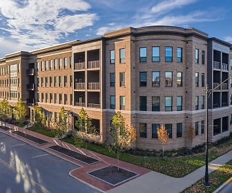 Apartments at the Yard: Kipton, Grandview Heights High School, Columbus, OH