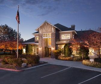 LAKERIDGE EAST & WEST | Apartments in Reno, NV |