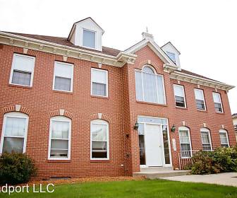 465 - 473 W Grand Ave, Port Washington, WI