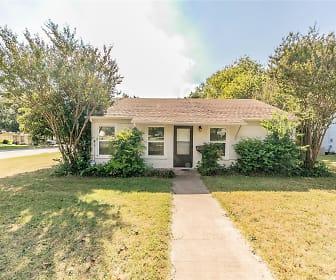 5048 Cedar Hill Rd, Benbrook, TX
