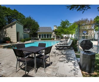 Pool and Grill, Bent Oaks Apartment Homes
