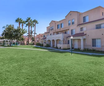 River Ranch Townhomes, Santa Clarita, CA