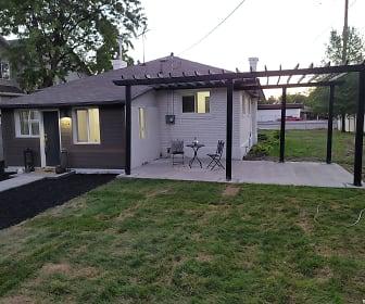 patio.jpg, 5079 S 900 E