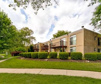 Foxboro Apartments, Arlington Heights, IL