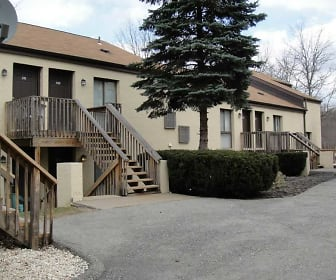 Maiden Square Apartments, South Strabane, PA