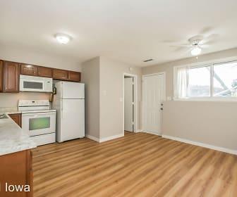 1607 NW 4th Street, Ankeny, IA