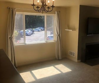 700 Front St S, #D306, Tanner, WA