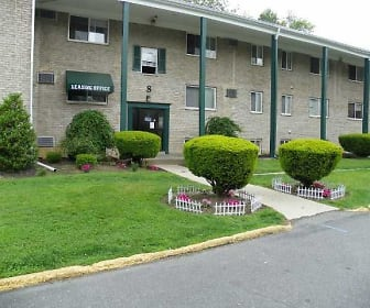 Green Forest Apartments, Brookhaven, PA