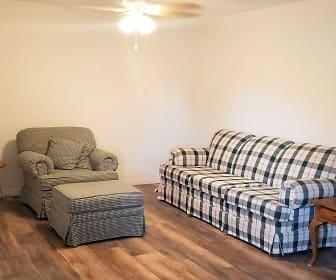 Living Room, 3562 Ligonier Rd