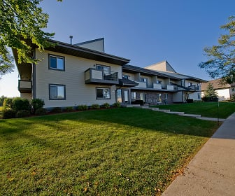Pine Cove Apartments, Rutland, WI