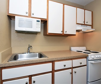 Kitchen, Furnished Studio - St. Louis - Earth City