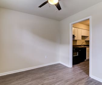 Bent Creek Apartments and Townhomes, Cloverdale, VA