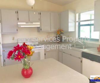 Kitchen, 702 Henry Ave N