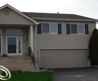 1136 Lakeview Circle, Burton, MI