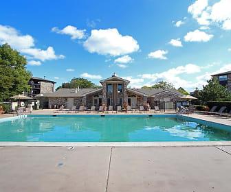 Windsor Estate Apartments, Wheaton, IL