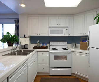 Kitchen, Cedar Creek