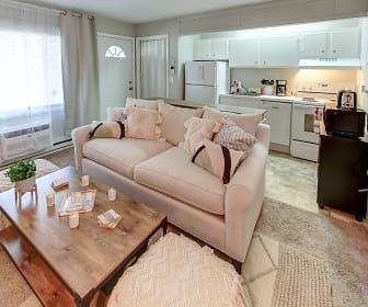 Woodbury Knoll Apartments, 06798, CT