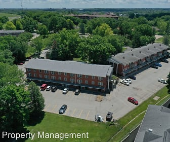 209 Holiday Rd, North Central Junior High School, North Liberty, IA