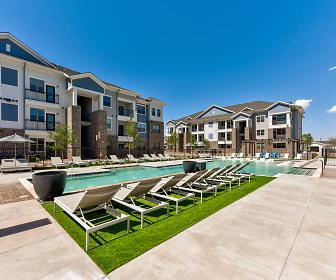 Pool, Coronado on Briarwood