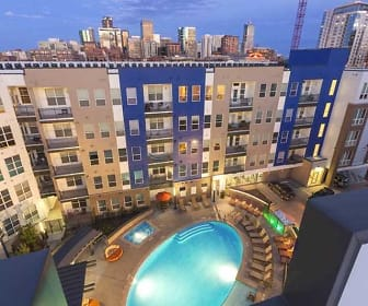 Pool, City House Apartments