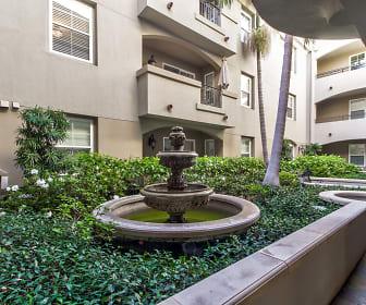 Courtyard, La Providencia