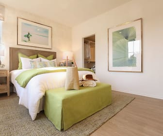 Bedroom, Baypointe