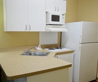 Kitchen, Furnished Studio - Fayetteville - Owen Dr.