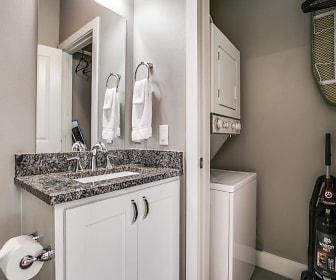 Bathroom, 5544 Miller Avenue #1