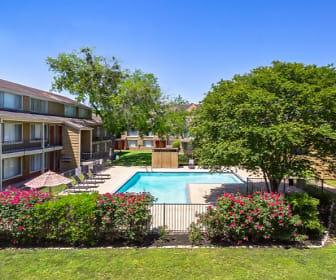 Treehouse Apartments, Bryan, TX