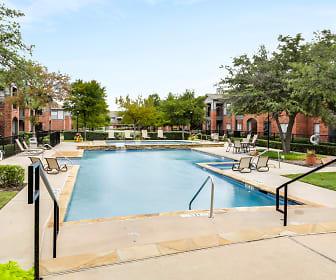 Pool, Kensington Park Apartments
