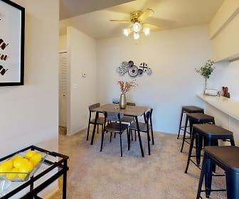 Castle Pointe Apartments, East Lansing, MI