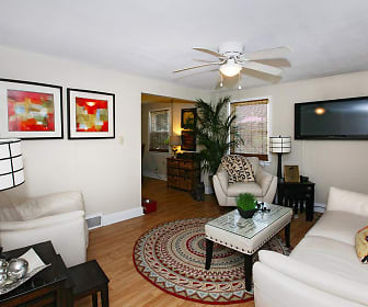 Living Room, Crestwood Townhomes