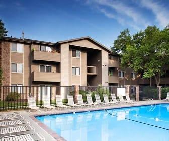 Pool, Bentley By Broadmoor