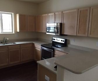 Kitchen, Aspen Ponds Apartments