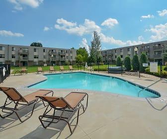Eagle Pointe Apartments, Ravenna, MN