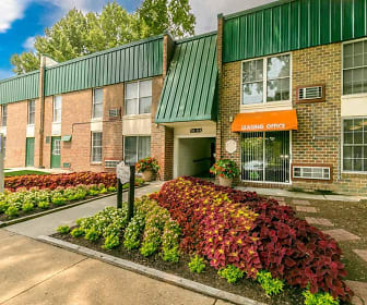 Leasing Office, Oakmont North