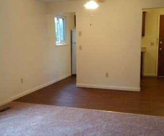 Living Room, Lake Glen Apartments