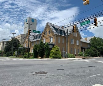102 W. Second Avenue, Unit 201, Gastonia, NC