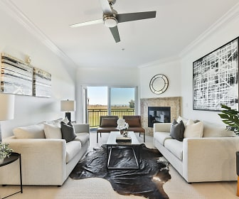 Living Room, 401 North Ave, Unit 214