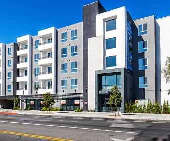 Moderno NOHO West, John H Francis Polytechnic Senior High, Sun Valley, CA