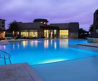 Pool, SoHo Parkway
