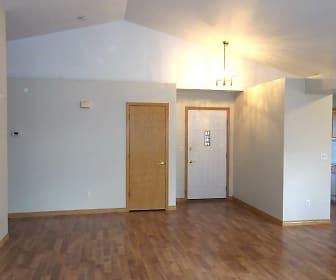 entry living.jpg, 900 Arbor Ave. #25