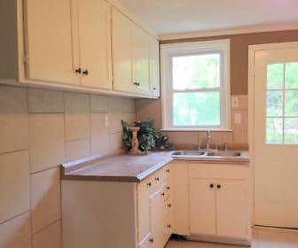 Kitchen, 616 NW Capelle St